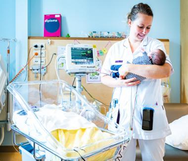 Kinderverpleegkundige in opleiding (20-102)